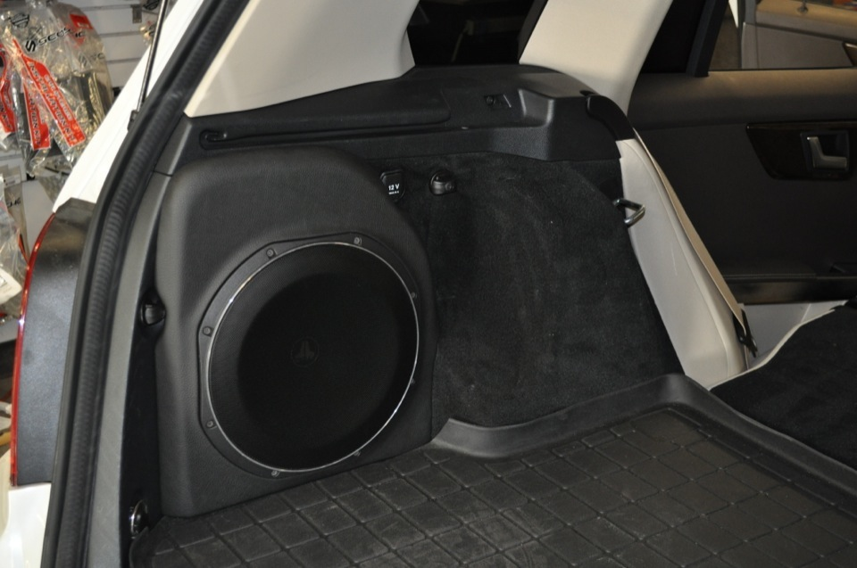 Mercedes glk350 audio upgrade thrills newberry client for Mercedes benz audio upgrades