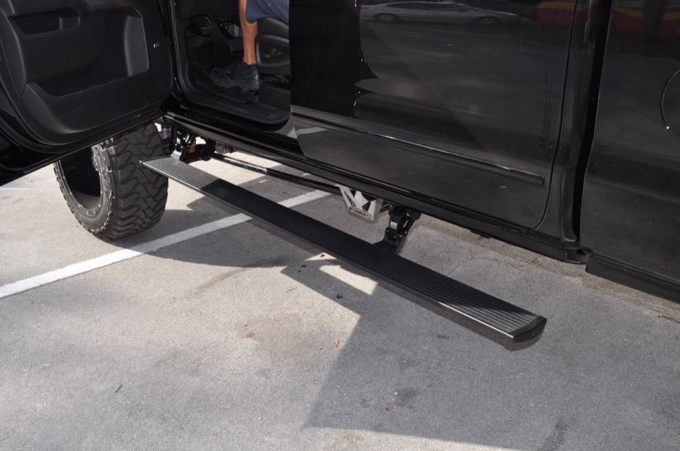 Truck Step Bars And Running Boards
