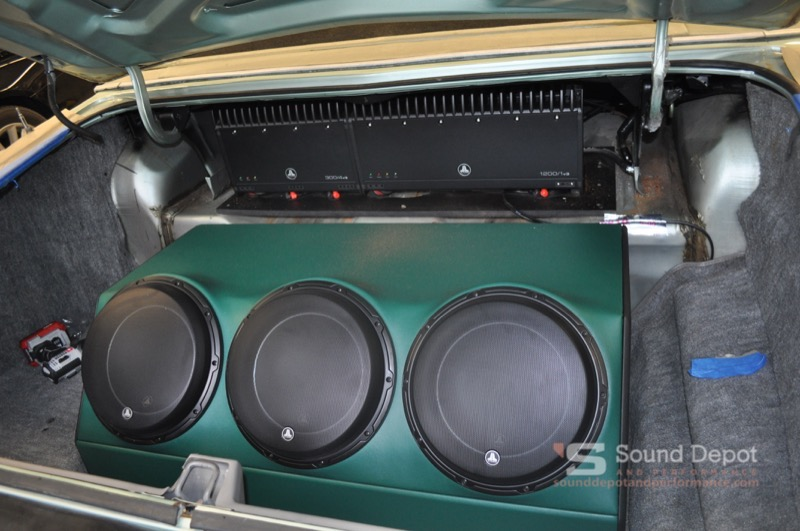 Long Time Gainesville Client Gets Serious Lincoln Town Car Audio