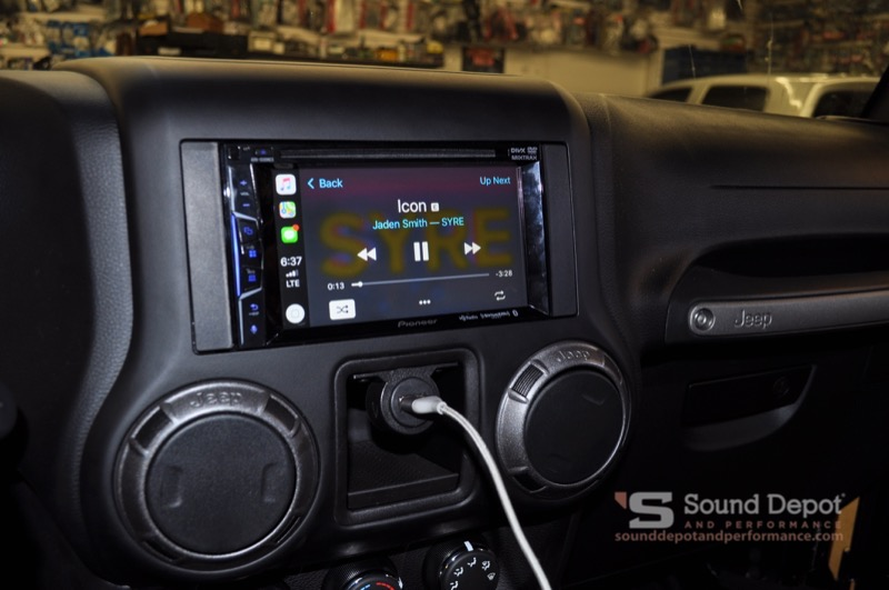 Gainesville Client Gets Apple Carplay And Stealthbox For Jeep Wrangler
